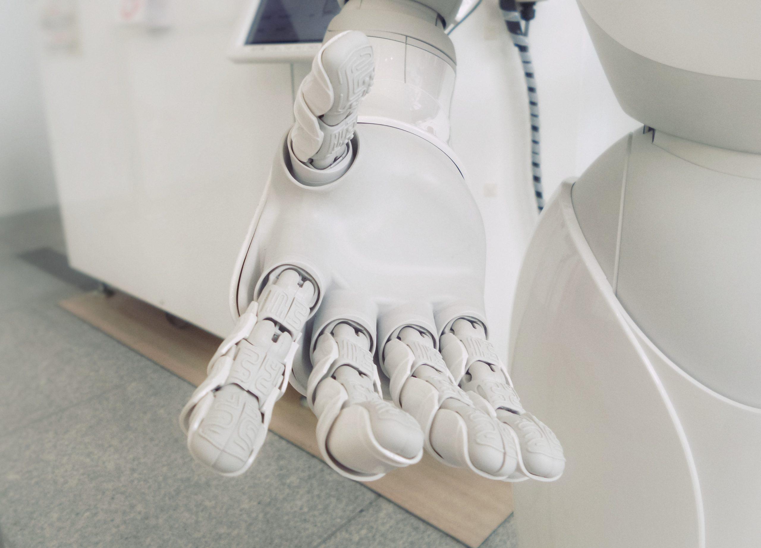 これからの時代 〜 AIロボットと心の繋がり